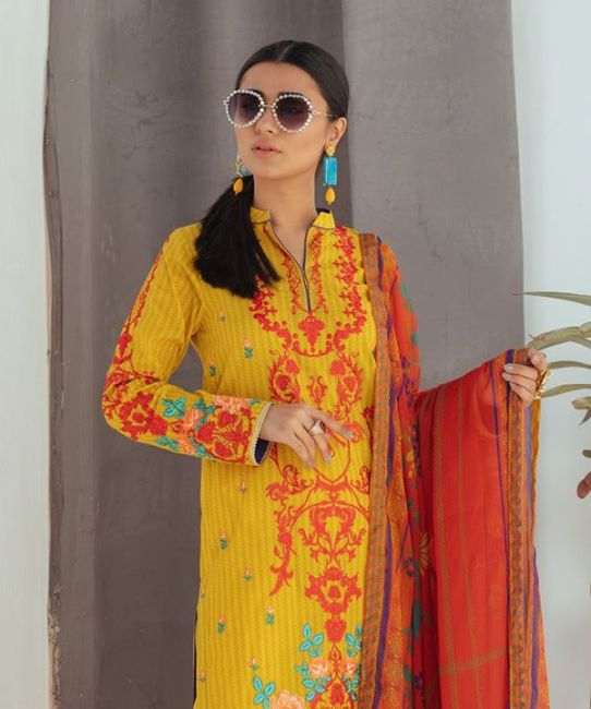 Zellbury Royale Yellow Embroidered Summer Lawn